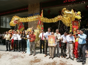 HOANG QUAN GROUP JUBILENTLY OPENS THE BEGINNING OF BINH THAN 2016