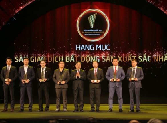 Tập Đoàn Hoàng Quân Đạt Danh Hiệu Sàn Giao Dịch Bất Động Sản Xuất Sắc Nhất Việt Nam