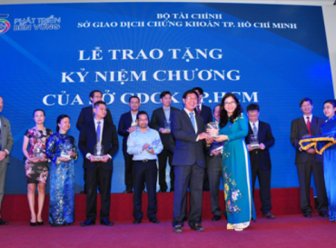 HOANG QUAN REAL ESTATE HONOURED TO WELCOME DELIGATION OF STATE SECURITIES COMMISSION OF VIETNAM FOR VISIT AND RECORD AT SOCIAL HOUSING PROJECTS